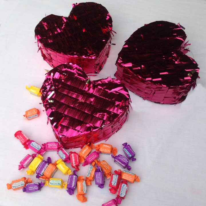 Love-heart mini piniatas